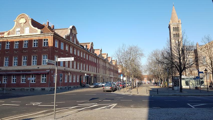 Ecke Charlottenstraße & Platz der Einheit